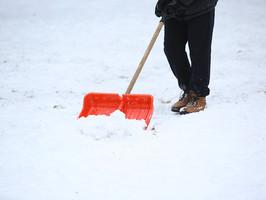 Kiefer-DLZ - Sven Stocker - Winterdienst, Schnee räumen privat, Parkplätze Winterdienst, Firmenparkplätze Schnee räumen, Schnee Dienst, Schnee schippen